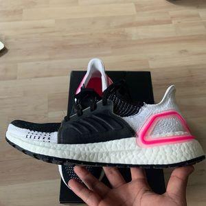 Adidas UltraBOOST 19 size 7